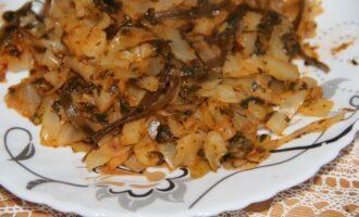 Гарнир из морской и белокочанной капусты со шпинатом