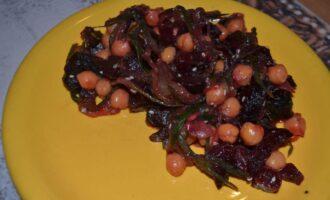 Шаг 8: Салат  с нутом готов. Приятного аппетита!