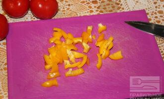 Шаг 3: Нарежьте перец.