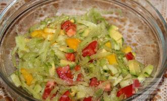ПП салат из редьки и авокадо