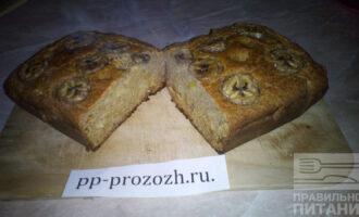 Шаг 12: Банановый хлеб можно подавать как в горячем так и в холодном виде.