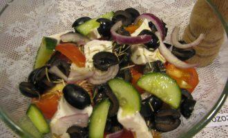 Греческий салат с сыром тофу