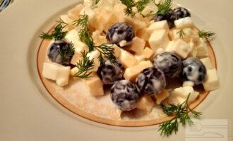 ПП салат с адыгейским сыром и виноградом