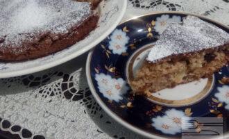 Шаг 6: Готовый кекс можно посыпать сахарной пудрой из коричневого сахара.