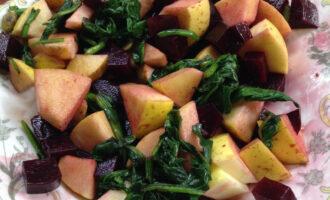 ПП салат с вареной свеклой и яблоком