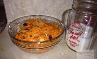 Шаг 5: Хорошо перемешайте и салат готов.