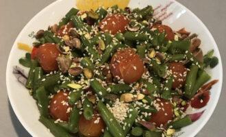 Зеленая ПП фасоль с томатами и фисташками