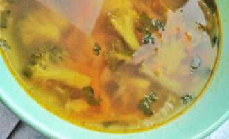 Острый суп из брокколи