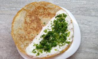 Шаг 7: Поверх рикотты посыпьте нарезанной зеленью.