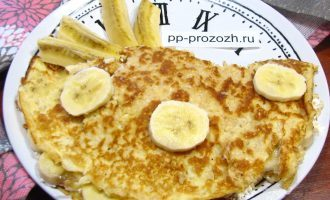 Овсяноблин с творожным сыром и бананом
