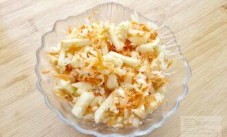 Сыроедческий капустный салат