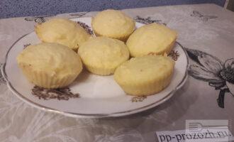Шаг 6: Вкусные сырники можно подавать на стол. Приятного аппетита!