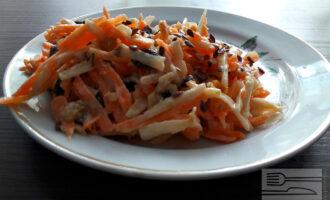 Диетический салат с морковью и яблоком