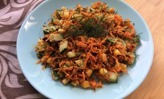 Веганский салат с кукурузой