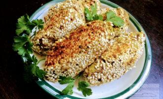 Постные кебабы из фасоли, грибов и зеленого горошка