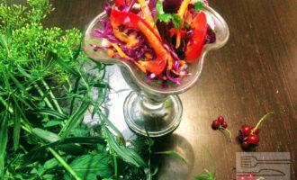 Диетический салат из красной капусты