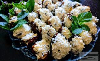 Десерт с финиками