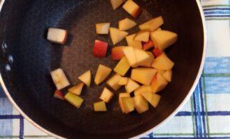 Шаг 6: Обжарьте в сотейнике или сухой сковороде.