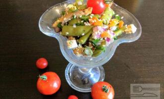 Салат вегетарианский с грибами