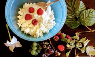 Шаг 4: Насыпьте промытые ягоды.