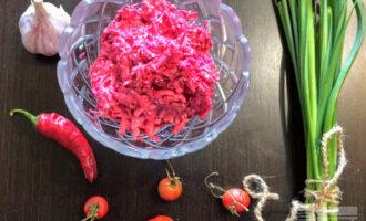 Салат из сырой свёклы и моркови
