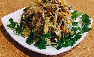 Вегетарианский салат с сельдереем