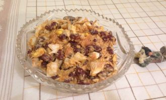 Салат с красной фасолью в томате