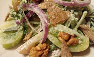 Салат из сельдерея стеблевого диетический