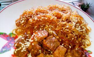 Шаг 7: Посыпьте сверху кунжутом! Приятного аппетита!