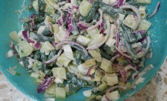 Шаг 7: Ваш салат готов. Приятного аппетита!