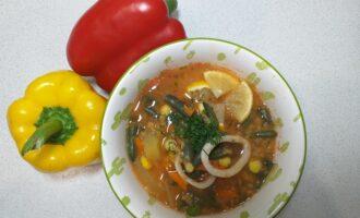 Суп кальмаровый