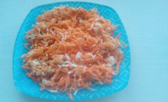Салат из свежей моркови