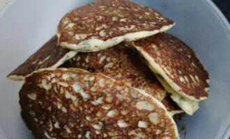 Шаг 8: Ваши сырные оладушки с зеленью готовы!