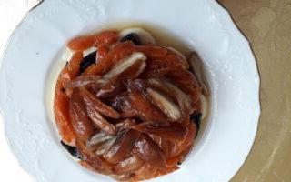 Шаг 5: Получится красивый слоеный фруктовый салатик. Приятного аппетита!