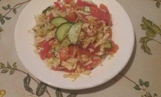 Салат из пекинской капусты с пророщенной пшеницей