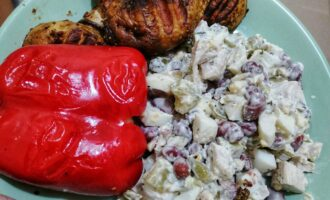 Белковый салатик с красной фасолью