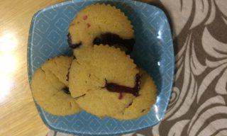 Постные кексы с замороженными ягодами