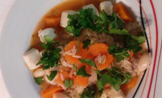 Кальмары с рисом и фасолью