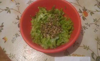 Шаг 3: Маш замочите на 3 часа, а затем отварите в течении 20 мин. и добавьте в салат.