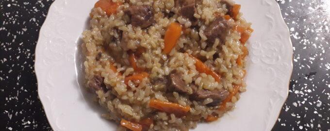 Плов из говядины и бурого риса