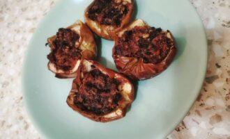 Шаг 7: По истечении времени выключите духовку. Достаньте Ваши яблоки. Готово.