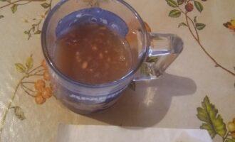 Шаг 2: Пектин разведите в теплой воде, до полного растворения.