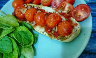 Кабачки-лодочки с овощами