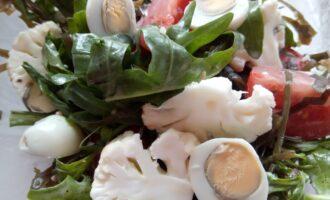 Салат из морской и цветной капусты