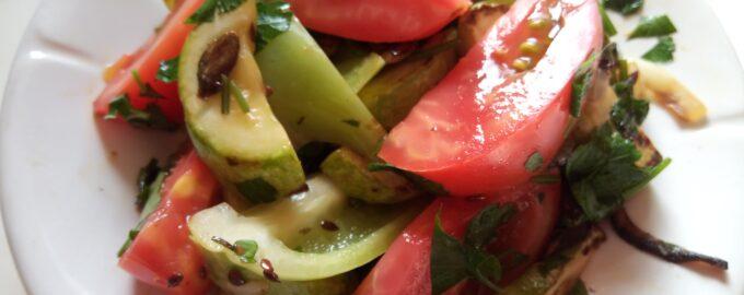 Горячий салат с семечками