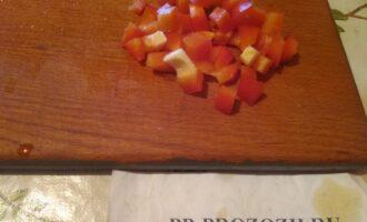 Шаг 5: Порежьте перец.