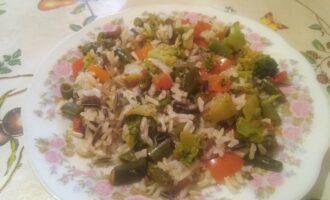 Брокколи с бурым и диким рисом