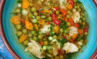 Суп с булгуром и зеленым горошком